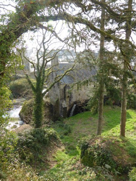 Moulin à eau (XVIIème siècle) près de la rivière d'Argent...