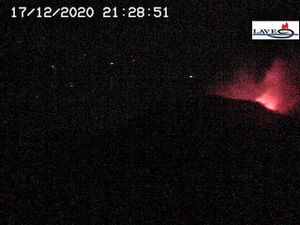 Etna SEC - 12.17.2020 - LAVE webcam and INGV photo - one click to enlarge