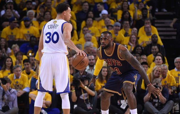 "LeBron James: "" C'est difficile de contenir Stephen Curry et Klay Thompson """