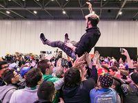 Les vainqueurs européens couronnés aux Championnats Internationaux Européens Pokémon