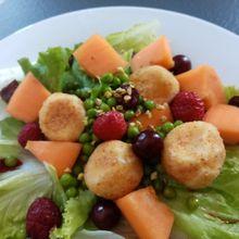 Salade de chèvre chaud estivale de Cyril Lignac dans tous en cuisine
