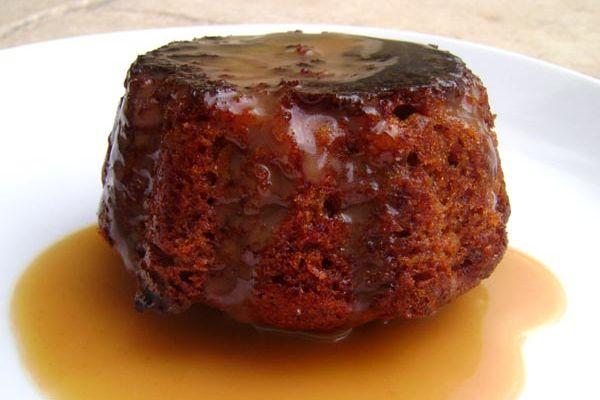 Sticky Toffee Pudding - Le Traditionnel et Irrésistible Moelleux Anglais et sa Sauce Caramel