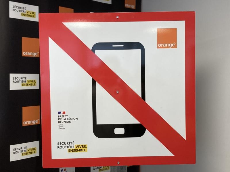 Téléphone au volant : Orange et la préfecture de La Réunion s'associent pour une campagne de sensibilisation !
