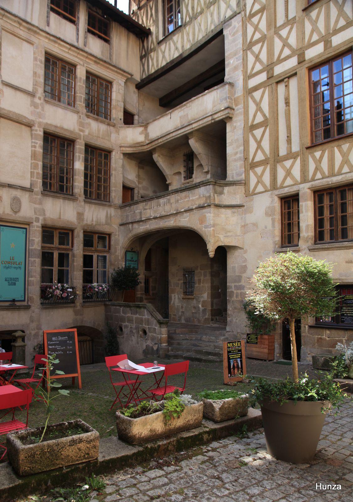 Limoges, cour du Temple