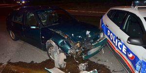Deux adolescentes de 14 ans foncent sur les CRS à bord d'une voiture volée à Saint-Ouen