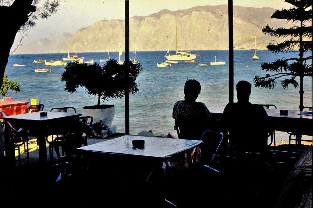 Avec ses  petits cafés en bord de mer, ses tavernes à l'ancienne, l'endroit est resté simple, à l'abri des invasions touristiques de la côte nord; pas d'hôtels chics-avec-piscine, mais la Grande Bleue dans toute sa limpidité, à portée de marche à pied, tout cela dans de somptueux paysages. Le sud de la Crète est un des plus beaux coins de toute l'Europe !