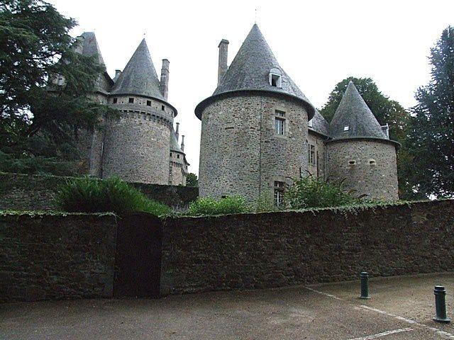 Diaporama château de Pompadour - Arnac Pompadour