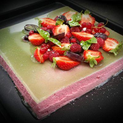 Mousse à la fraise et gelée de basilic