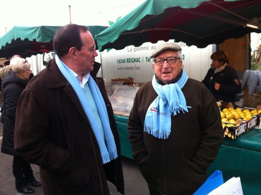 Inauguration de la permanence itinérante le 13 décembre 2013 sur le marché du champ de foire.