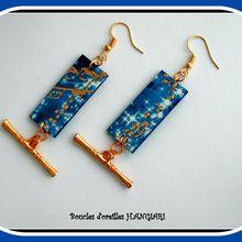 Boucles d'oreilles moderne bleu électrique et or sur rectangle