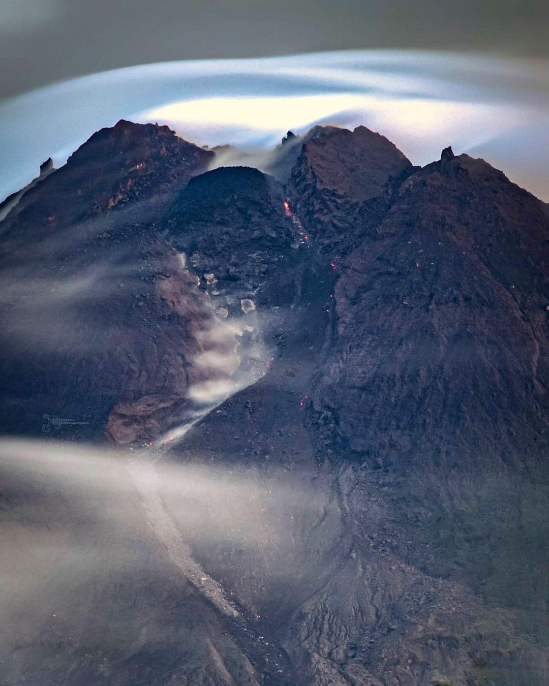 Merapi - 10.02.2021 - dôme  - photo 740 aerialvideography