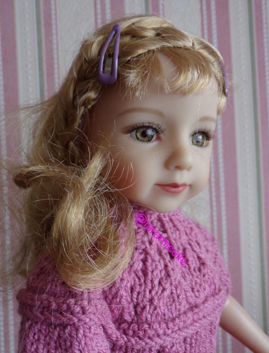 tuto gratuit  poupée  : robe à empiècement ajouré