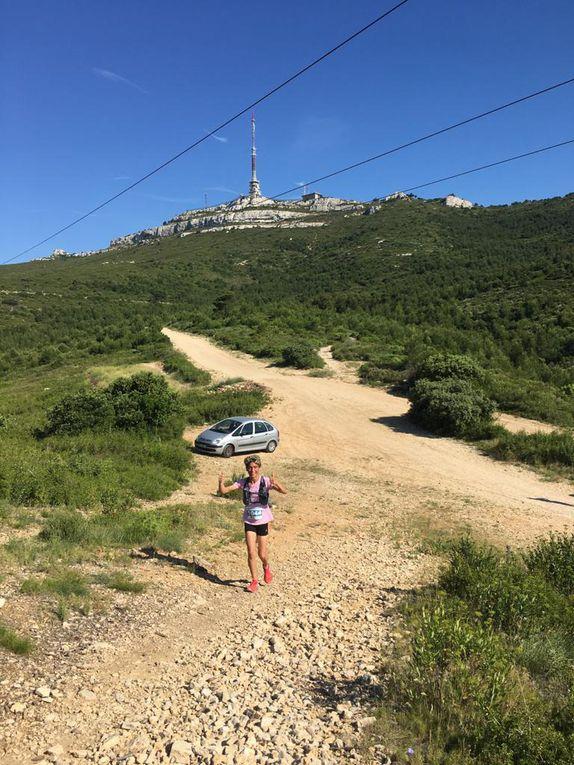 A mi parcours pour les dossards bleus (course 12km) et après le 10è km pour les dossards rouges (trail 17km).