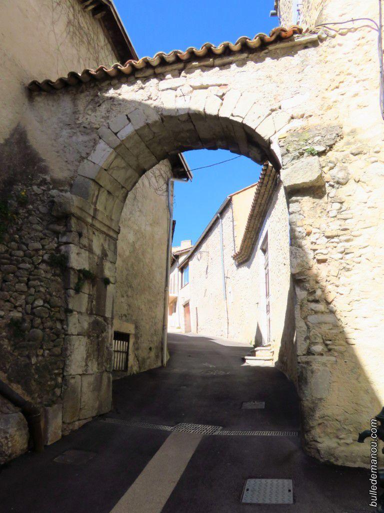 Quelques ruelles du Vieux quartier de Chastel