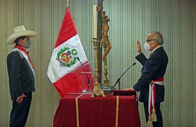 Pedro Castillo a l'habitude de citer des passages bibliques pour justifier son rejet d'un débat sur des sujets de société