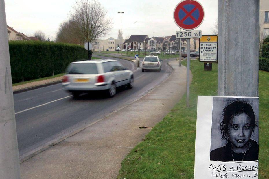 Estelle Mouzin a disparu à Guermantes, où des avis de recherche ont été placardés après sa disparition le 9 janvier 2003. • © V. Lesage, MaxPPP