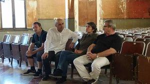 Boris Netzer du Unknown Project, Laurent Sales de L'impasse Humaniste et Prêle Abélanet Cavale. avec Jean-Charles Sin, le propriétaire de l'hôtel