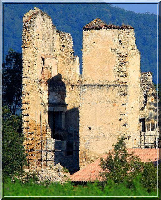 Diaporama château de BUGNAS à La Bastide de Sérou
