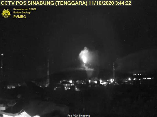 Sinabung - 11.10.2020 / 03h44 - webcam PVMBG