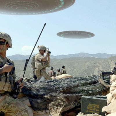 Top 10 UFO Sightings caught on camera by Soldiers