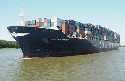 Le CMA CGM Bianca devient le plus grand navire à faire escale au Cameroun