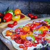 Pizza aux Tomates Heirloom - Cuisine et Cigares
