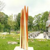 A monumental sculpture in glass designed by Guillaume Bottazzi