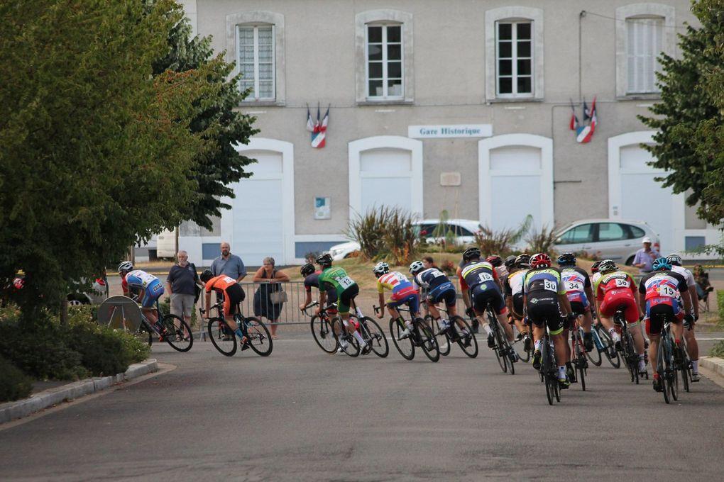 Album photos de la 3 course 3 et J de Montoire sur Le Loir (41)