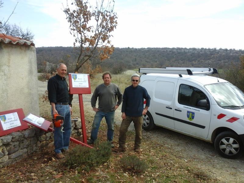 Travaux de débroussaillage et mise en sécurité de l'ancien hameau de forestage d'Ongles (04)