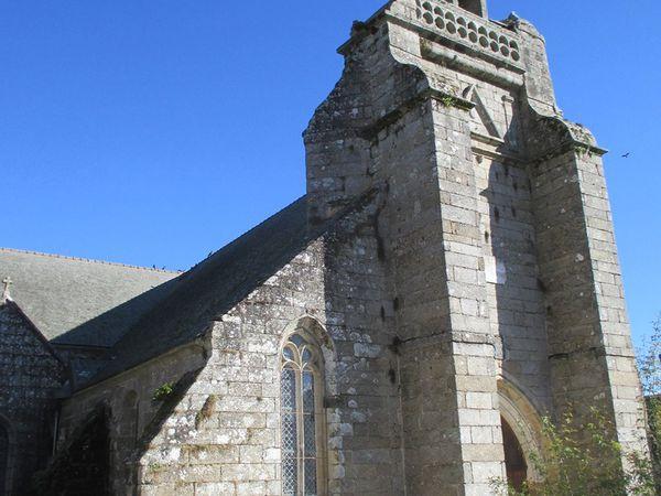 A Saint-Nicolas-du-Pélem ; Sainte-Tréphine ; Plélauff.