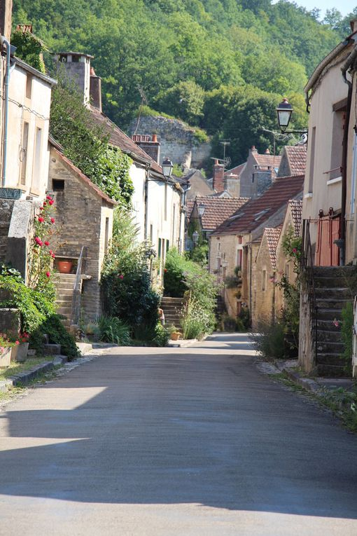 Noyers-sur-Serein, cité médiévale plus beau village de France