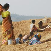 Mica mining, cosmetic industry and forced labour - Slavery Fight