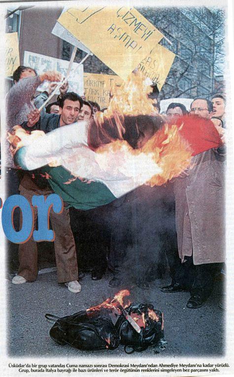 """Manifestations de l'extrême-droite et de parents de """"martyrs"""" dans la presse des 17 au 22 novembre 1998"""