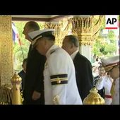 French president on state visit, is given the key to Bangkok