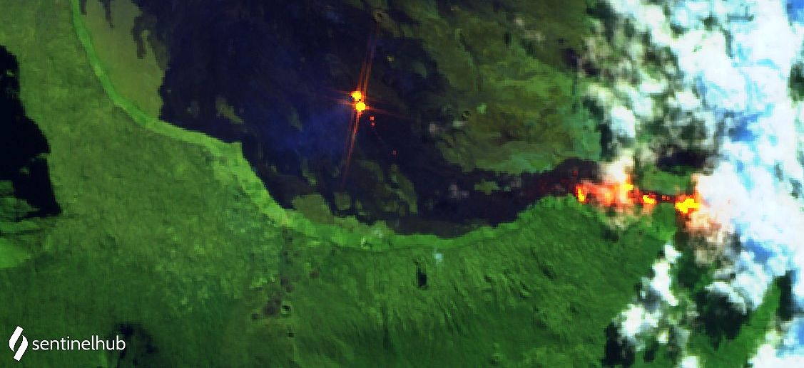 Piton de La Fournaise - hot spots within the 2 active cones and incandescence of the flow at the level of the Grandes slopes - image Sentinel-2 L1C bands 12,11,4 du 11.05.2021 - one click to enlarge