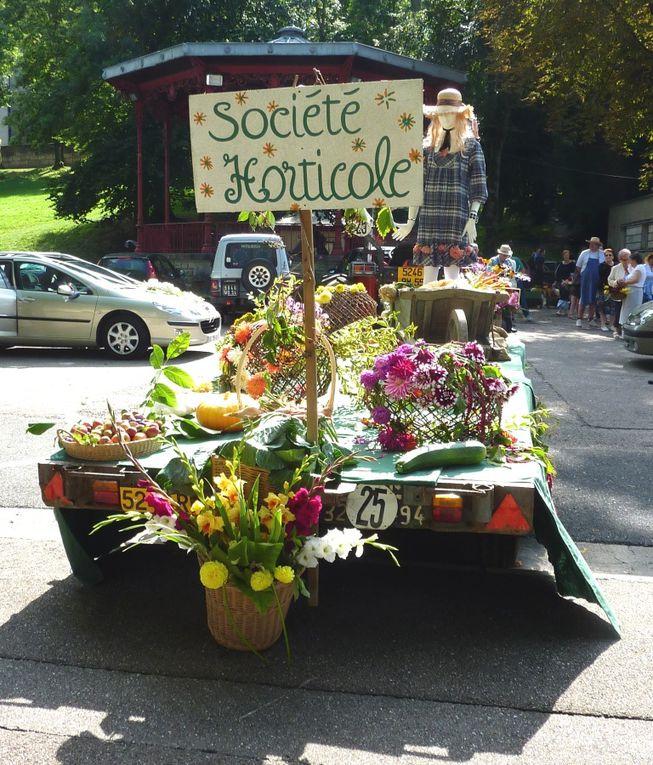 Pour honorer Saint Fiacre, patron des jardiniers, la Société Horticole de Bar le Duc organise un joli défilé coloré tous les premiers samedis de septembre.