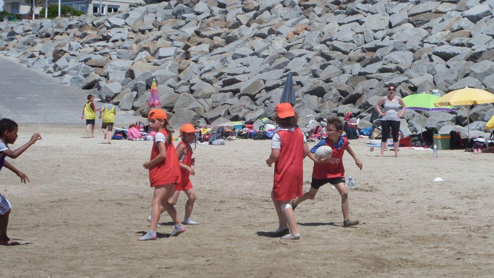 Le rugby, c'est bien ! Mais les joies de la plage, c'est bien aussi !