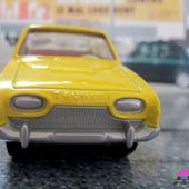 FORD TAUNUS 17M 2 PORTES JAUNE SOUFRE DINKY TOYS REEDITION ATLAS 1/43 - car-collector
