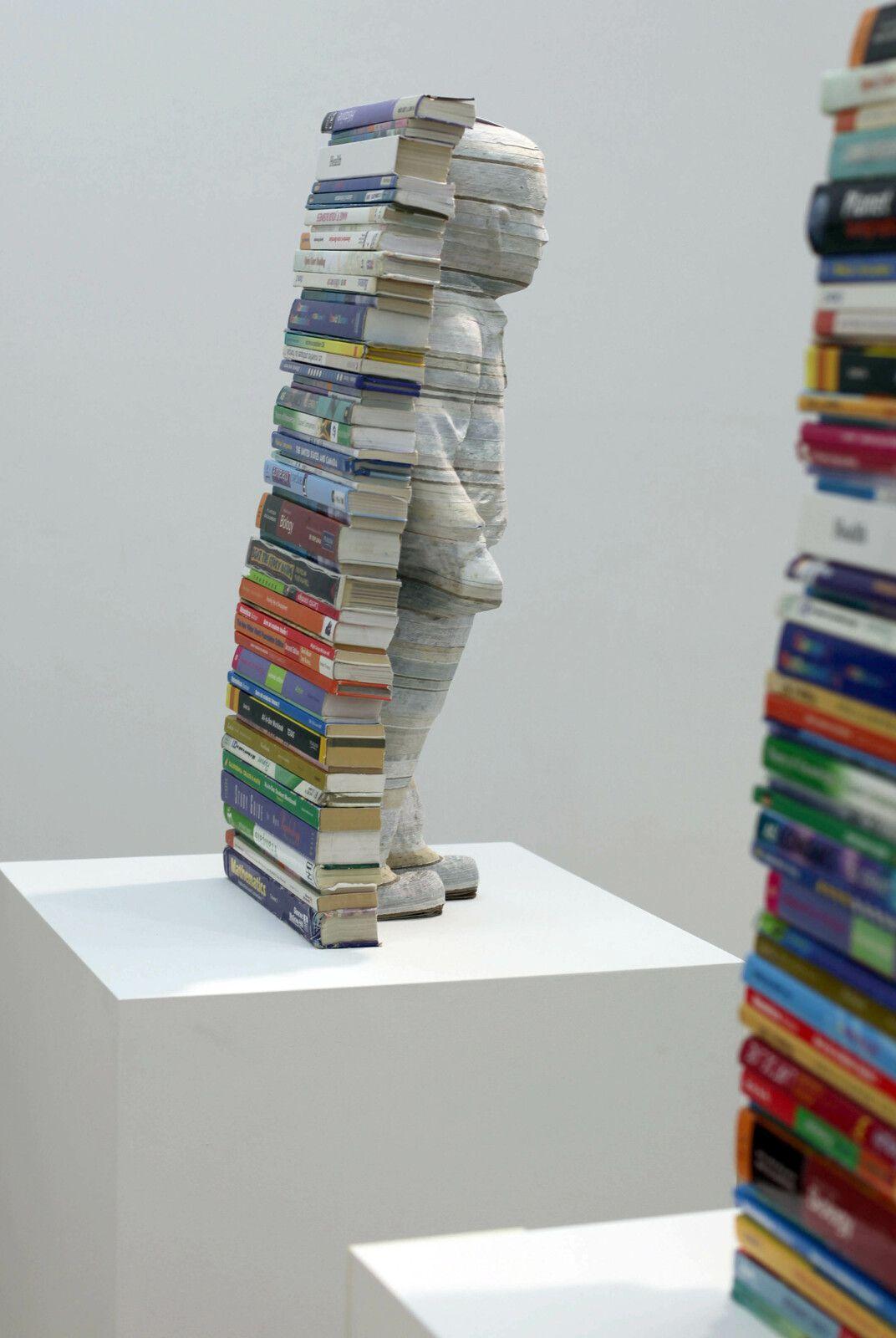 """""""Innocence - Textbook Series (Manuels d'école)"""", 2021 de Li HONGBO - Courtesy de la galerie Danysz Paris © Photo Éric Simon"""