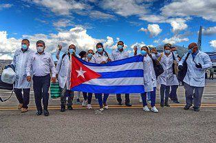 Demande du retour de médecins cubains au Pérou pour lutter contre la Covid-19