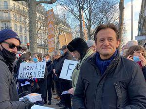 Le Parti de la France présent au rassemblement contre la folie sanitaire à Paris