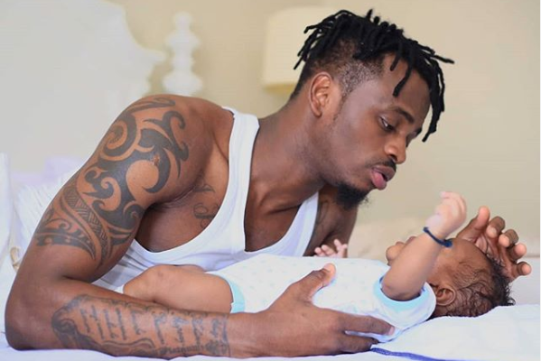 Devoirs papa: Diamond Platnumz passe du bon temps avec son fils Naseeb Junior (Photo)