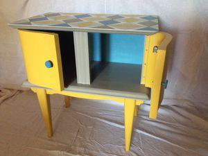 Petit meuble en bois style vintage vendu
