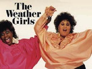"""the weather girls, un duo de chanteuses américaines martha wash et izora rhodes, elles sont principalement connues pour leur tube """"it's raining men"""""""