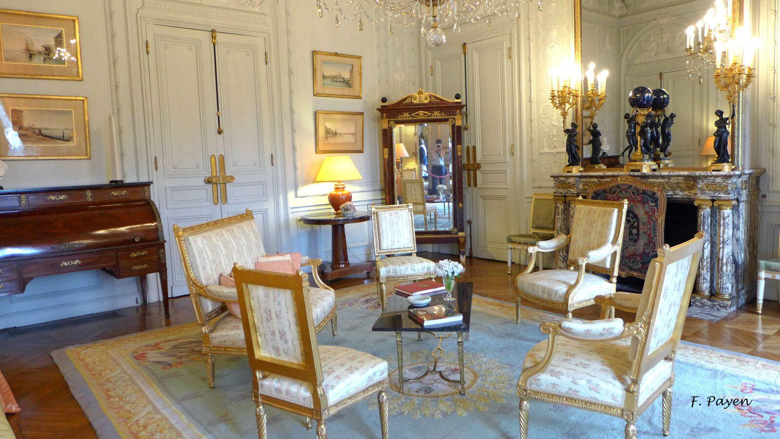 Palais de la Légion d'honneur : le salon blanc.
