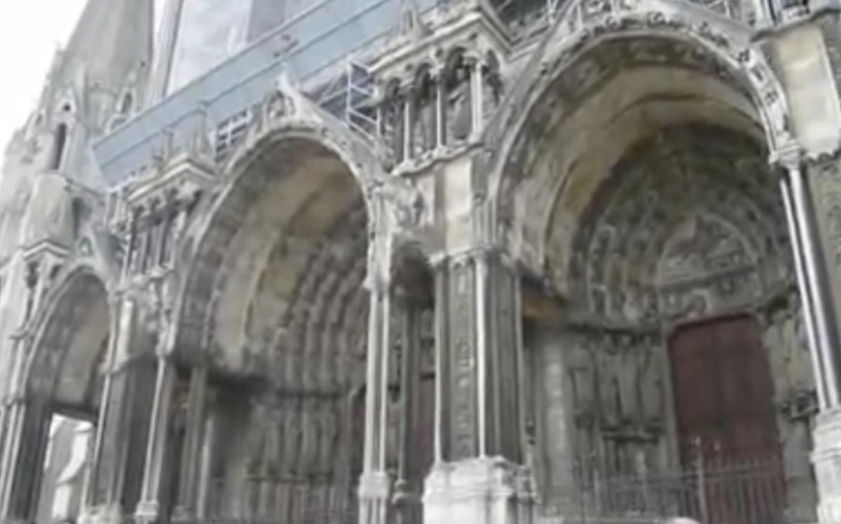 Chartres, sa cathédrale et son petit train : une visite dominicale