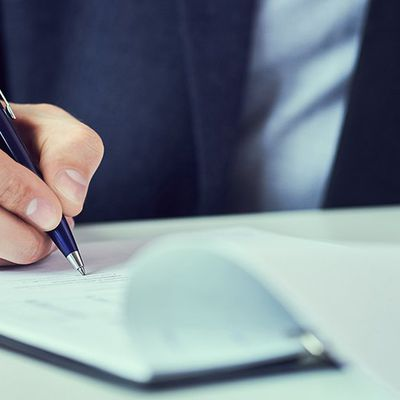 WHAT TO KNOW BEFORE SIGNING A COMMERCIAL LEASE?