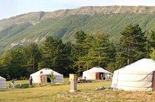 Camping les steppes du Khaan , 6 yourtes entre Angles et Vergons