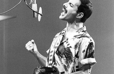 Freddie Mercury Queen Headlines Continue Into 2015