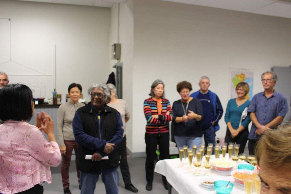 cours de cuisine dès 16h et apéritif à 20 h...c'était l'anniversaire de notre amie Nhung ( photos : merci à l'ami Philippe)